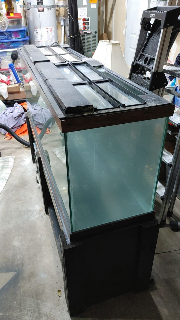 125 GALLON AQUARIUM AND STAND