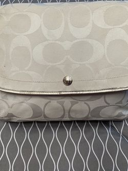 Messenger Crossbody Bag White/Silver Pink Interior for Sale in Santa Ana,  CA