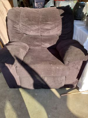 Black reclining chair for Sale in Stockton, CA
