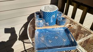 New ice bucket with four tumblers and serving tray for Sale in Marietta, MS