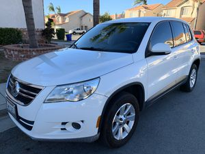 2010 VW TIGUAN for Sale in Fontana, CA