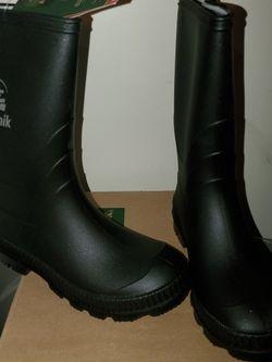 NEW- Black Kamik Stomp Rain 🌧 Boots size 1 youth for Sale in Renton,  WA