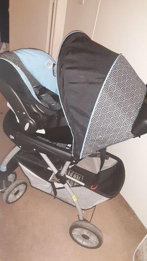 Car seat stroller set for Sale in Hubert, NC