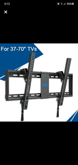 MOUNTING DREAMS TV RACK MODEL MD2268-LK for Sale in New York, NY