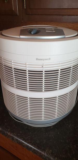 Honeywell Air Purifier for Sale in Keokuk, IA