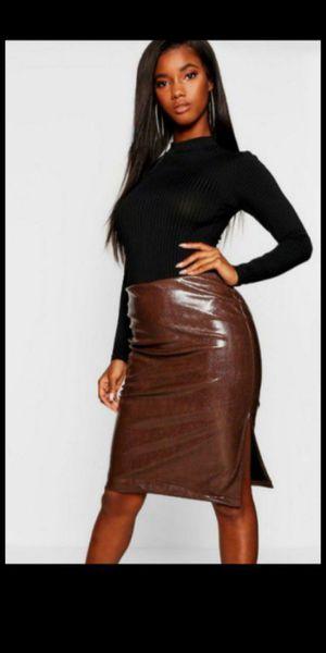 Midi Skirt Leather/ Brand New / falda imitación piel de vibora nueva for Sale in Fullerton, CA