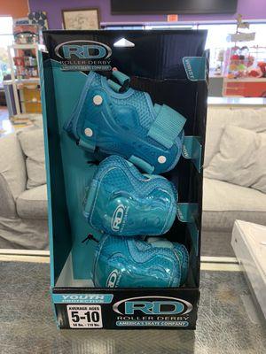 N ew roller derby youth protective skate gear for Sale in Virginia Beach, VA