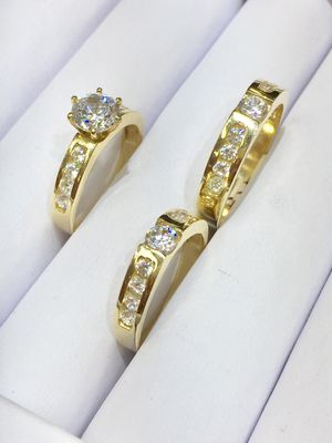 14 karat gold wedding ring made in Italy ( item#MR223) for Sale in Parlier, CA