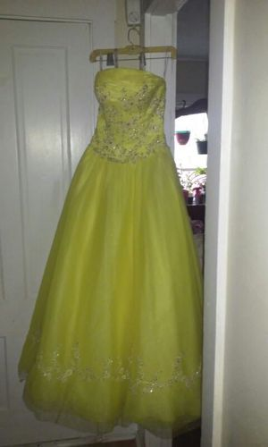 Dress for Sale in Woonsocket, RI