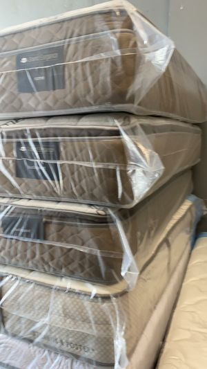 BRAND NEW PILLOWTOP MATTRESS for Sale in North Miami Beach, FL