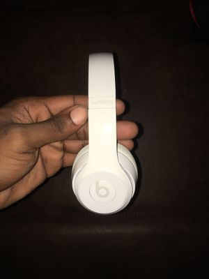 Beats by Dr. Dre - Beats Solo³ Wireless Headphones - Gloss White for Sale in Houston, TX