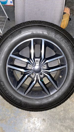 2019 Jeep Grand Cherokee wheels and tires for Sale in Tampa, FL