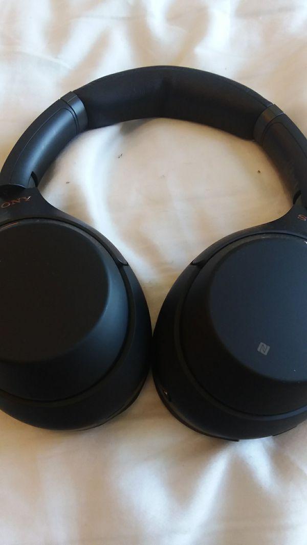 Sony WH-1000XM3 sound canceling headphones