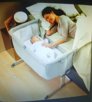 Chicco Next2Me side sleeping crib, pearl excellent condition for Sale in Lake Oswego, OR