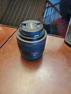 Canon RF 35mm lens. for Sale in Hartford, CT