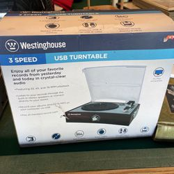 Westinghouse 3 Speed Turntable for Sale in Eustis,  FL