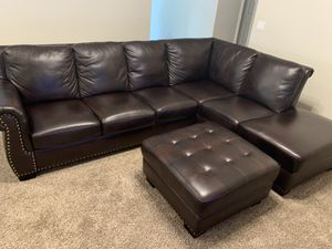 Leather Sectional & Ottoman (Willing to Negotiate) for Sale in Bakersfield, CA
