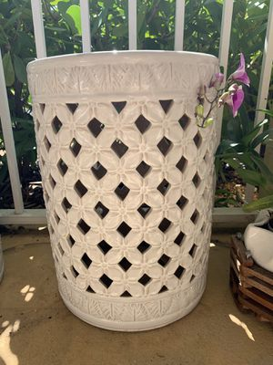 Ceramic Garden Stool 18in Tall for Sale in Plantation, FL