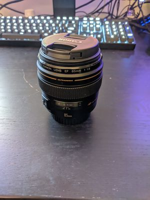 Canon 85mm f1.8 for Sale in Los Angeles, CA