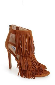 Steve madden fringed heels chestnut brand new in box paid $140 size 7 for Sale in Fremont, CA