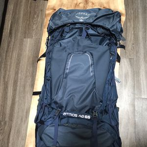 Osprey Atmos AG 65 hiking backpack- Large for Sale in Westminster, CO