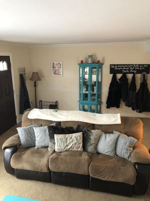 Brown recliner couch for Sale in Crofton, MD