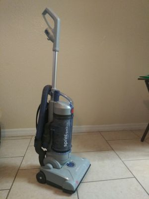 Hoover Sprint QuickVac Bagless Upright Vacuum for Sale in Orlando, FL