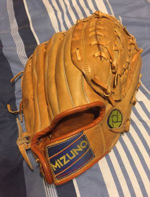 Mizuno Baseball Softball Glove for Sale in Sun City, AZ