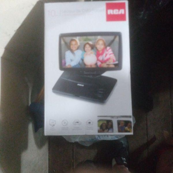 "10"" Portable DVD Player"