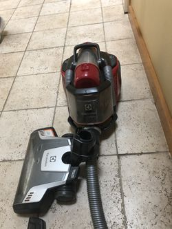 Electrolux corded ultra flex canister vacuum for Sale in Plymouth,  MA