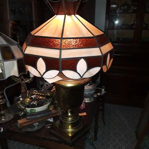 Selling ALL!! Beautiful antique vintage slag glass table lamp for Sale in Elyria, OH