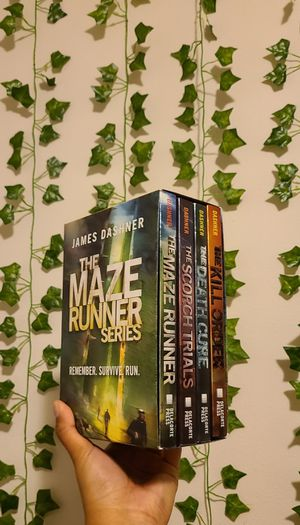 The Maze Runner Series complete set for Sale in Puyallup, WA