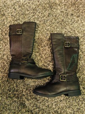Girls boots for Sale in Hanford, CA