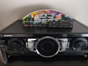 Samsung 3400 watt giga dj beat stereo package for Sale in Jarrell, TX