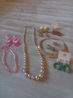 FASHION JEWELRY COLLECTION for Sale in Los Angeles, CA