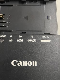 Canon LC-E6 Battery Charger for Canon EOS 5D Mark II, 7D & 60D Digital SLR for Sale in Cambridge,  MA