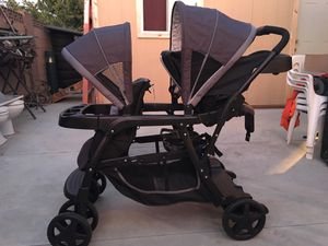 Graco ready2grow click connect double twin stroller for Sale in Santa Ana, CA