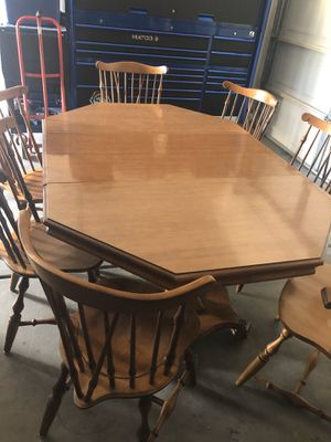 dining room table for Sale in Henderson, NV
