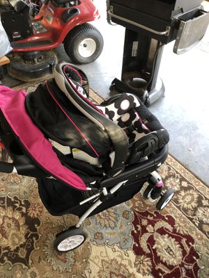 Baby stroller and car seat for Sale in Richmond, VA