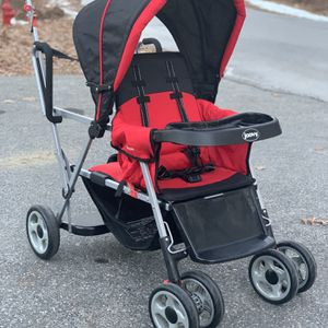 Joovy Caboose Double With Infant Seat Option for Sale in Southborough, MA