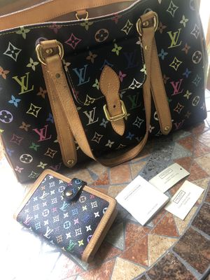 Authentic Louis Vuitton MM Black bag and wallet for Sale in Appleton, WI