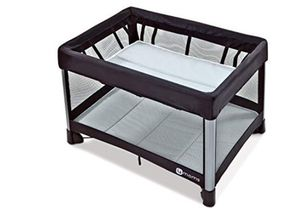 4moms Breeze playard pack and play for Sale in Alexandria, VA