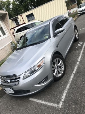 2010 Ford Taurus V6 for Sale in Alexandria, VA