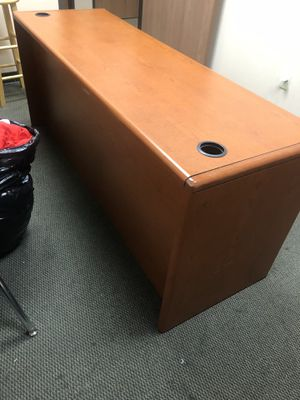 Office desk for Sale in Rancho Cucamonga, CA