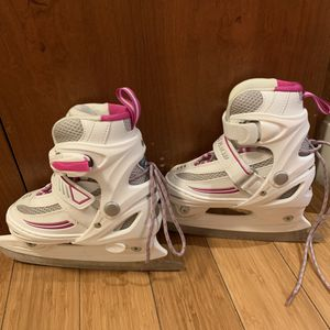 Girl ice skating skates for Sale in Chicago, IL