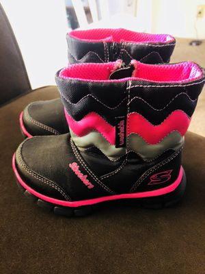 Skechers ❄️ winter boots for girl toddler for Sale in Springfield, OR