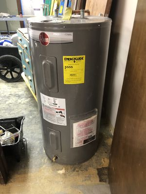 Water heater for Sale in Clyde Hill, WA