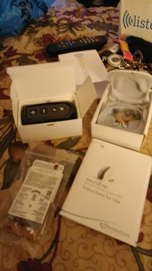 Brand new hearing aides. Never used. Need gone asap for Sale in Harrisonburg, VA