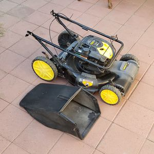 Briggs & Stratton 725 ex lawn mower (Read description) for Sale in Monrovia, CA