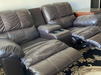 Leather Couch Great Condition for Sale in Austin,  TX